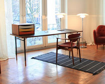 design writing desk by Finn Juhl (scandinavian) NYHAVN Triode Design