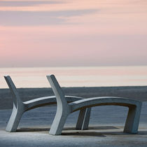 engeneered stone lounge chair for public space SILLARGA, SICURTA by Juan Carlos Inés and Gonzalo Milá Escofet