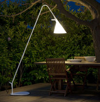 exterior design polyethylene floor lamp MATE by Geert Koster METALARTE