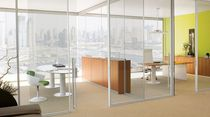 freestanding glass removable partition WATS by Ambostudio archiutti