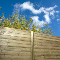 garden fence in certified wood (FSC-certified) FENCEASY&reg; PR&Eacute;SERV&Eacute;E Silverwood