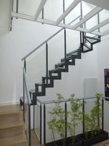 half-turn staircase with a lateral stringer GOMERA VETRO 1 L77V essegi scale