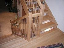 half-turn staircase with a lateral stringer (wooden frame and steps) EWT 560 Schmidt Escaliers