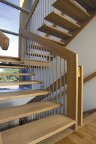 half-turn staircase with a lateral stringer (wooden frame and steps) HGM 330 Schmidt Escaliers