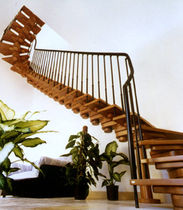 half-turn staircase with modular central stringers (wooden frame and steps) AGORA' POLY MACCURO SCALE