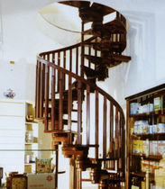 helicoidal staircase with modular central stringer (wooden frame and wooden steps) AGORA' ELY MACCURO SCALE