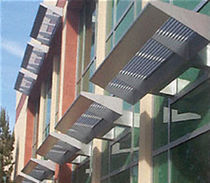horizontal aluminium solar shading 7700 SERIES CR Laurence