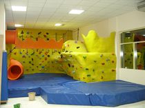 indoor fixed climbing wall for kids INDOOR WALL FOR CHILDREN Walltopia