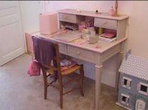 kids writing desk with shelf (girls)  Maman m'adore
