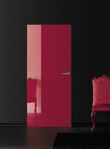 laquered swing door MISS by Cavana/Santambrogio Res Italia