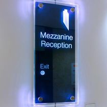 laser engraved patterned float glass panel TOWER 42 Vitrics