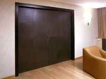 leather swing door for theatres THEATRE by Carlo Bartoli Lualdiporte