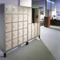 locker for offices EVOLO S3000 10 C+P Moebelsysteme