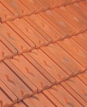 lozenge patterned interlocking clay roof tile (aged) LOSANGEE HUGUENOT IMERYS Terre Cuite