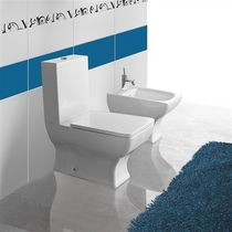 monoblock toilet DORIAN by Manuela Busetti / Andrea Garuti Vitruvit