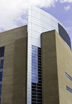 mullion and transom curtain wall (aluminium and glass) BOSTON UNIVERSITY McMullen Architectural Systems Ltd.