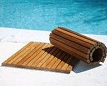 non-slip floor mat for public pools LE SPA TEAK SHOWER AND ANTI-SLIP FLOORMATS Infinita Corporation