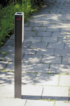 outdoor ashtray for public spaces VALET by David Karásek, Radek Hegmon  mmcité