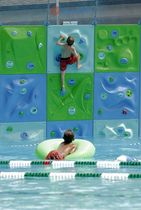 outdoor fixed climbing wall for kids AQUACLIMB pyramide