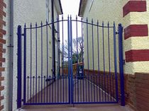 plastic coated entrance gate with bars  New Forest Metal Work