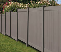 PVC garden fence TRIPLE CROWN® FENCE SIGNATURE SERIES Royal Group Technologies
