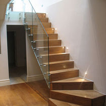 quarter-turn floating staircase WEST LONDON Flight Design