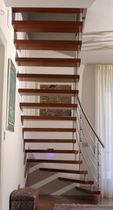 quarter-turn floating staircase (metal frame and wood steps) SPINNAKER 1 essegi scale