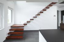 quarter-turn floating staircase (wooden frame and steps) NEVIO&reg; Novum