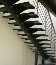 quarter-turn staircase with a central stringer (metal frame and steps) MAIORCA essegi scale