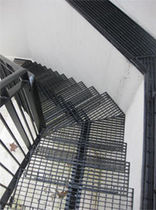 quarter-turn staircase with a central stringer (metal frame and steps) NOTTING HILL Flight Design