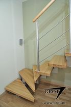 quarter-turn staircase with a central stringer (metal frame and wood steps) IZA GROT
