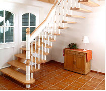 quarter-turn staircase with a lateral stringer (wooden frame and steps) CASTELLO HGM 242 Schmidt Escaliers