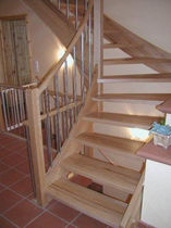 quarter-turn staircase with a lateral stringer (wooden frame and steps) EWT 410 Schmidt Escaliers