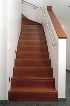 quarter-turn staircase with a central stringer (concrete frame and wooden steps) HGM HS 702 Schmidt Escaliers