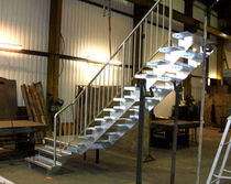 quarter-turn staircase with a lateral stringer for commercial buildings (metal frame and steps) THE FALLOWS Pear Stairs