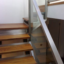 quarter-turn staircase with a lateral stringer (metal frame and wood steps) WEST LONDON Flight Design