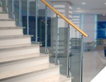 railing with glass panels PAN Mobirolo
