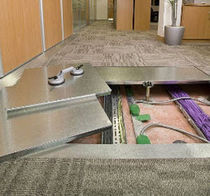 raised access floor panel in steel EURODEK&reg; Burgess Architectural Products Ltd.