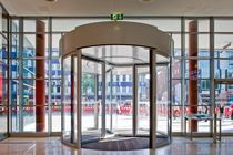 revolving automatic door for commercial buildings KTC-3 / KTC-4 DORMA International