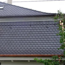 round-cut plain roof tile in clay  ERLUS