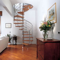 spiral staircase (stainless steel frame and wood steps) STAINLESS STEEL-WOOD Marretti