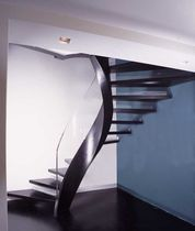 spiral staircase with a lateral stringer (metal frame and wooden steps) NOTTING HILL WEST SS 588 SPIRAL Stairs