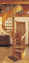 spiral staircase with a lateral stringer (wooden frame and steps) H03 ESCALIERS EBA