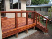 stainless steel and wood railing  Ultra-tec