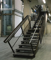 straight staircase with a lateral stringer for commercial buildings (metal frame and steps) STAZIONE LEOPOLDA ESSEMME