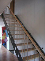 straight staircase with a lateral stringer (metal frame and wood steps) ALU 101 Schmidt Escaliers