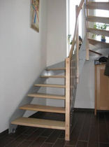 straight staircase with a lateral stringer (metal frame and wood steps)  Schmidt Escaliers
