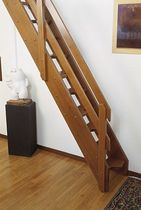 straight staircase with a lateral stringer (wooden frame and steps, for small space) GENOVA St Scale