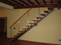 straight staircase with central stringer (metal frame and wood steps) AGATA LINEAR Linea Scale