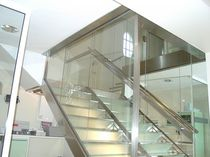 straight staircase with a lateral stringer (metal frame and glass steps)  Formadour
